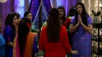News video: Meri Bhabhi : Kunal , Anand dress like girls