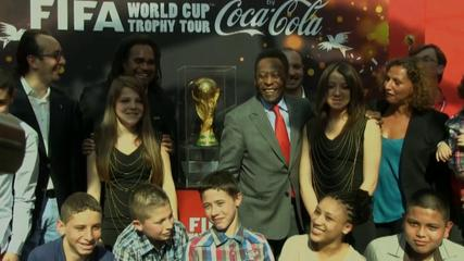 News video: French fans flock to see Pele