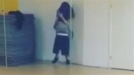 News video: Video: Justin Bieber dirty dances with Selena Gomez